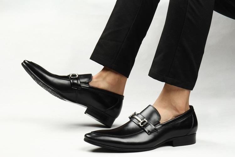 kinh nghiệm chọn giày da nam công sở