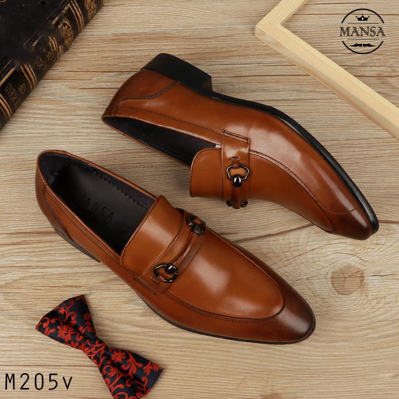 Màu sắc ảnh hưởng rất nhiều khi chọn giày