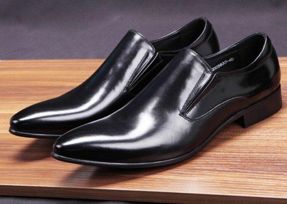 Mẫu giày lười mũi nhọn sang trọng